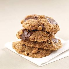 Gluten Free & Dairy Free Almond Butter Chocolate Chip Cookies.  Sink your teeth into these! Six ingredients, two steps and 20 minutes is all you'll need to whip together two dozen no-flour, dairy-free, low-sugar cookies.