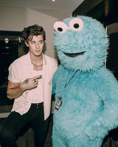 Shawn Mendes Halloween 2019 Melbourne Australia October 31 2019 at fashioninspo Fashion Clothes Shoes Luxury for women casual style Dresses outfits summer outfits Minimalist fashion Fashion tips Fashion ideas Style Shawn And Camila, Shawn Taylor, Fangirl, Foto Gif, Shawn Mendes Wallpaper, Mendes Army, Halloween 2019, Diy Halloween Costumes, Costume Ideas