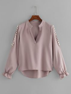 Shop V Neckline Pearl High Low Blouse online. ROMWE offers V Neckline Pearl High Low Blouse & more to fit your fashionable needs. Trendy Outfits, Trendy Fashion, Girl Fashion, Fashion Styles, Trendy Clothing, Fashion Women, Blouse Styles, Blouse Designs, Hijab Fashion
