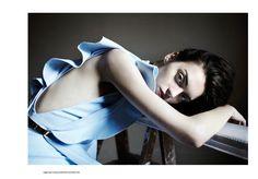 Magda Laguinge by Arno Frugler