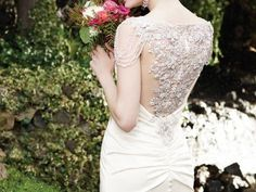 Casablanca Bridal debuts in the UK: Discover the spectacular 2016 Autumn collection here