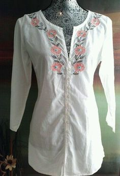 NEW YORK & CO WHITE FLORAL EMBROIDERY BUTTON DOWN TUNIC TOP BOHO HIPPIE S RETRO #NewYorkCompany #Tunic #Casual