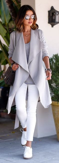 gray coat+white pants