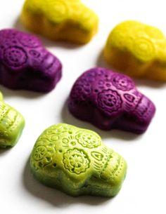18 Sugar Skull Chocolates  Nightmare by TheFrostedPetticoat, $20.00