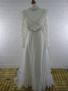 would like an actual vintage dress