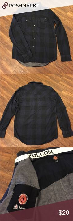 Men's Volcom Stone button down shirt Washed and never worn, medium weight, super soft, Romley limited product button down shirt. Front snaps, inside an outside chest pockets. Volcom Shirts Casual Button Down Shirts