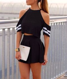 Feel Free to Express Your Own Style with Your short two piece outfits.Today, these outfits are made to look extremely stylish while being efficient at the same time. We are lovin' the two piece set… Girly Outfits, Mode Outfits, Short Outfits, Spring Outfits, Casual Outfits, Summer Outfit, Dress Casual, Outfits 2016, Casual Summer