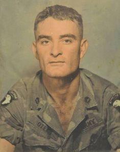 'Puerto Rican Rambo' went on over 200 combat missions in Vietnam Vietnam War Photos, Vietnam Vets, Puerto Rican People, Puerto Rican Men, Puerto Rican Music, Real Life Heros, Puerto Rico History, Puerto Rican Culture, Women In History