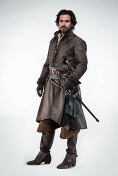 The Musketeers - Season 2 - Cast photo - Aramis fond d'écran in The The Muskeeters (BBC) Club Medieval Costume, Medieval Armor, Medieval Fantasy, Armor Clothing, Medieval Clothing, Renaissance, The Musketeers Season 2, Bbc Musketeers, Larp