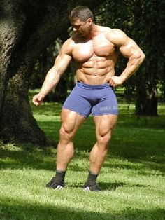 Muscle Lover Greece: BEEFY MUSCULAR MEN UNDER THE SUN.