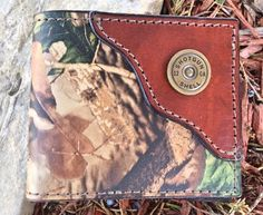 Handcrafted Leather Wallet  #outdoors #hunting #gifts Gifts For Brother, Gifts For Husband, Dad Crafts, Gift Baskets For Women, Creative Birthday Gifts, Hunting Gifts, Mason Jar Gifts, Gifts For Your Boyfriend, Leather Bifold Wallet