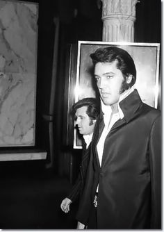 Charlie Hodge, Elvis Presley at a Nancy Sinatra show at Caesar's Palace in Las Vegas, Nevada : August 6, 1970.