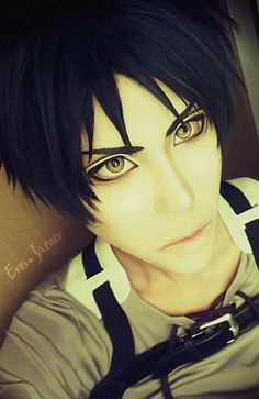 Attack on Titan Eren Jaeger cosplay... I just died. * blushes furiously*