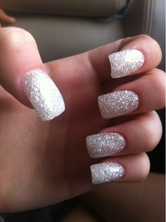 Super nails glitter white make up Ideas New Year's Nails, Hot Nails, New Years Eve Nails, Sparkly Nails, Silver Sparkle Nails, White And Silver Nails, Nagel Gel, Creative Nails, Cool Nail Designs