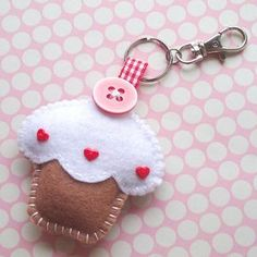 Cupcake #Keyring Charm - Toffee. Looks like it's made of #felt