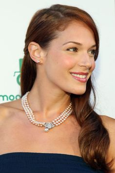 Amanda Righetti Photos - Actress Amanda Righetti attends the Moods Of Norway Flagship Store Launch at the Robertson Boulevard store location on July 2009 in Beverly Hills, California. - Moods Of Norway Flagship Store Launch Beautiful Red Hair, Beautiful Redhead, Beautiful Women, Amanda Righetti, Female Actresses, Hot Actresses, Female Celebrities, Korean Eye Makeup, Asian Makeup