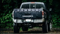 Protect your bikes, and your truck, on your way to and from the trailhead with a Tailgate Pad Are you looking for a tailgate pad for your truck and not sure which one to buy? This buyer's gui… Best Mountain Bikes, Mountain Biking, Buyers Guide, Cheap Web Hosting, Ecommerce Hosting, Baby Car Seats, Trucks, Adventure, Stuff To Buy
