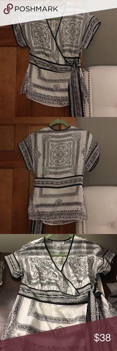 NWT White House Black Market Silk blouse medium NWT White House Black Market 💯 silk blouse Gorgeous size medium exquisite design White House Black Market Tops Blouses