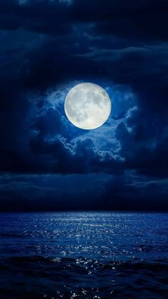 - chumani_on_tree - (notitle) - Planets Wallpaper, Galaxy Wallpaper, Wallpaper Backgrounds, Iphone Wallpaper, Beautiful Nature Wallpaper, Beautiful Moon, Free Android Wallpaper, Night Sky Wallpaper, Moon Photography