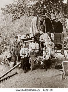 Pioneer Settlers | Pioneer Settlers, Homesteaders, Covered Wagon - Circa 1890 Vintage ...