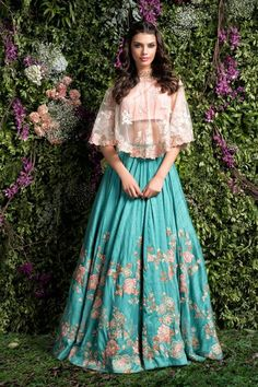 ideas for wedding gowns indian lehenga choli Bridal Lehenga Choli, Indian Lehenga, Indian Gowns, Red Lehenga, Indian Attire, Pakistani Dresses, Anarkali, Cape Lehenga, Floral Lehenga