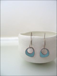 Enameled Earrings - unique ear wires too Porcelain Jewelry, Ceramic Jewelry, Enamel Jewelry, Ceramic Beads, Copper Jewelry, Porcelain Tile, Jewelry Crafts, Jewelry Art, Jewelry Design