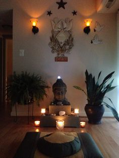 Love the Buddha setup #meditationspace #pillows