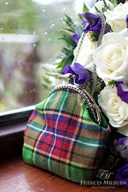Luck Of the Irish Scottish Plaid, Scottish Tartans, Tartan Clothing, Tweed, Style Anglais, Tartan Fashion, Scottish Fashion, Tartan Plaid, Craft Fairs