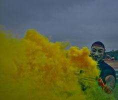 TNT Smoke Yellow Bomb