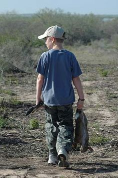 Rabbit Hunting since I was a kid Hunting Toys, Rabbit Hunting, Hunting Camo, Outdoor Baby Pictures, Pretty Landscapes, Combat Knives, Southern Sayings, The Old Days, Survival Knife