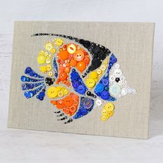 Pesci tropicali pulsante arte pesci colorati di PaintedWithButtons