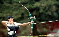 Geena Davis is an archer who made it to the semifinals in the qualification rounds for the 2000 Olympics. She had only started archery two years prior and placed 24th out of 300 candidates. Celebrity Facts