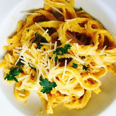Pumpkin Fettuccine!! A 10 minute meal. Perfect for the holiday season!
