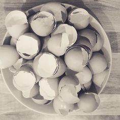 It's a bake day.... a 36-egg bake day to be precise #busybusy #tasty #weddingcake #freerangeeggs #reallyyummycakes #cakedesigner #bespokecakes #hampshirecakes #winchestercakes #cakes #winchester #hampshire #designercakes #designinspiration #designprocess