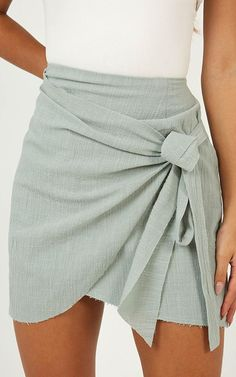 Fashion, Fashion outfits, Clothes Skirts, Summer outfits, Outfits - Not Happening Skirt In Sage - Mode Outfits, Trendy Outfits, Fashion Outfits, Style Fashion, Womens Fashion, Fashion Ideas, Fashion Skirts, Fashion Boots, Denim Outfits