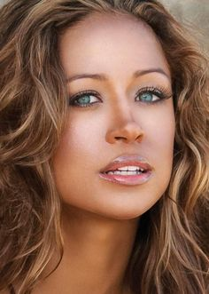 STACY DASH...all the makeup you need... Beautiful