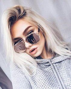 Mirrored Sunglasses, Sunglasses Women, Sunnies Sunglasses, Reflective Sunglasses, Trending Sunglasses, Tumbrl Girls, Mode Inspiration, Mode Style, Hair Colors