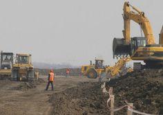 Alternativă la lentoarea statului: va fi inaugurat un drum făcut din FONDURI PRIVATE. Unde se găseşte şi cine l-a construit Monster Trucks, News, Vehicles, Car, Vehicle, Tools
