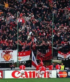 Paul Scholes celebrates at the San Siro, March 1999