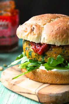Vegan Curried Sweet Potato Burger: A curried spiced sweet potato burger filled with veggies and served with cilantro aioli and tomato chutney for a hearty and heathy burger. Sweet Potato Burgers, Sweet Potato Recipes, Veggie Recipes, Whole Food Recipes, Vegetarian Recipes, Cooking Recipes, Healthy Recipes, Recipes Dinner, Cooking Time
