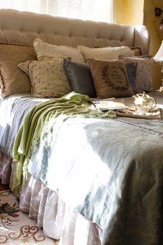 How to make easy DIY custom bed skirt