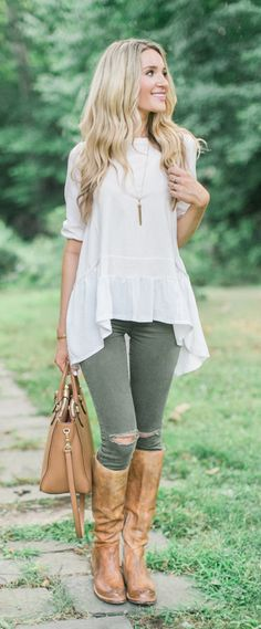 A slouchy loose fit dolly short sleeve tee. It's as cozy as you can see it. Cozy My Fav White Dolly Hi-Lo Top featured by Blonde Expeditions Blog