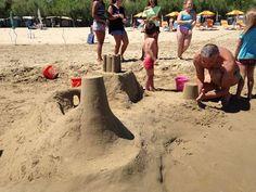 giochi in spiaggia !! #interntionalcamping #pineto #abruzzo #italy #spiaggia #beach #sea #mare #sabbia #estate #divertimento #allegria #sole #sun #summer