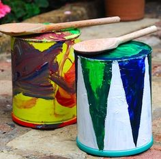 Beat out the blues on a Rat-a-Tat Tin Can Drum. This drum is sure to put a smile on any toddler's face. March to the beat of your own drum when you paint these music crafts for kids. Drums For Kids, Drum Lessons For Kids, Music For Kids, Craft Activities For Kids, Crafts For Kids, Creative Activities, Drums Artwork, Instrument Craft, Drum Craft
