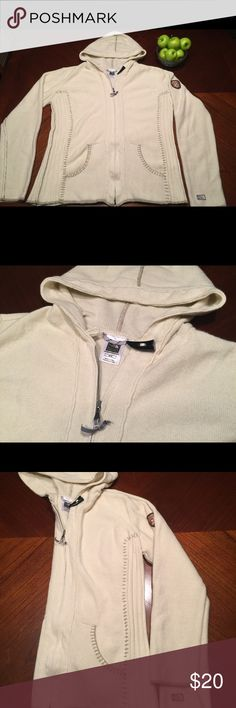 🌺 The North Face women's medium hoodie 🌺 The north face women's medium full zip hoodie. In excellent condition. Same day shipping. From a smoke free animal free home. Bundle An save! The North Face Sweaters