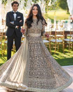 Bridal Lehenga Designs For Reception In India 2017 Indian Bridal Lehenga, Pakistani Bridal, Punjabi Wedding, Pakistani Outfits, Indian Outfits, Bridal Outfits, Bridal Dresses, Sabyasachi Bride, Desi Clothes