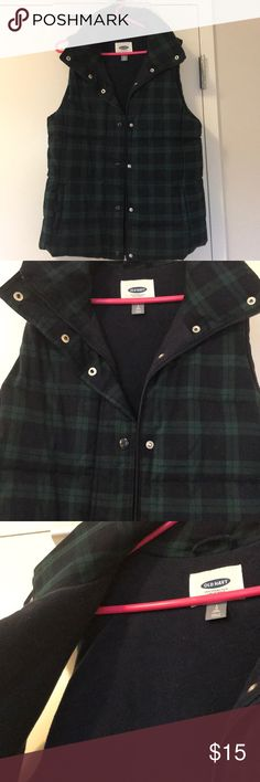 Old Navy Plaid Puffer Vest Blackwatch plaid puffer vest, outside is soft polyester/rayon/spandex blend and inside is soft fleece material. Great condition. Worn once. Old Navy Jackets & Coats Vests