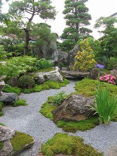個人宅の日本庭園