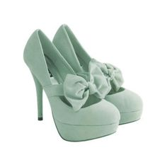 Mint heels with front bow.