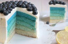 Miss Blueberrymuffin's kitchen: Blue Ombre Cake mit Blaubeeren http://missblueberrymuffin.blogspot.de/2014/11/blue-ombre-cake-mit-blaubeeren.html